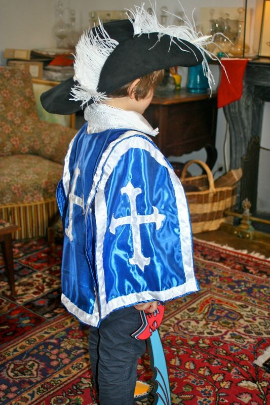 Déguisement Garçon ROI Médiéval 10//11//12 ans Costume enfant Chevalier Arthur