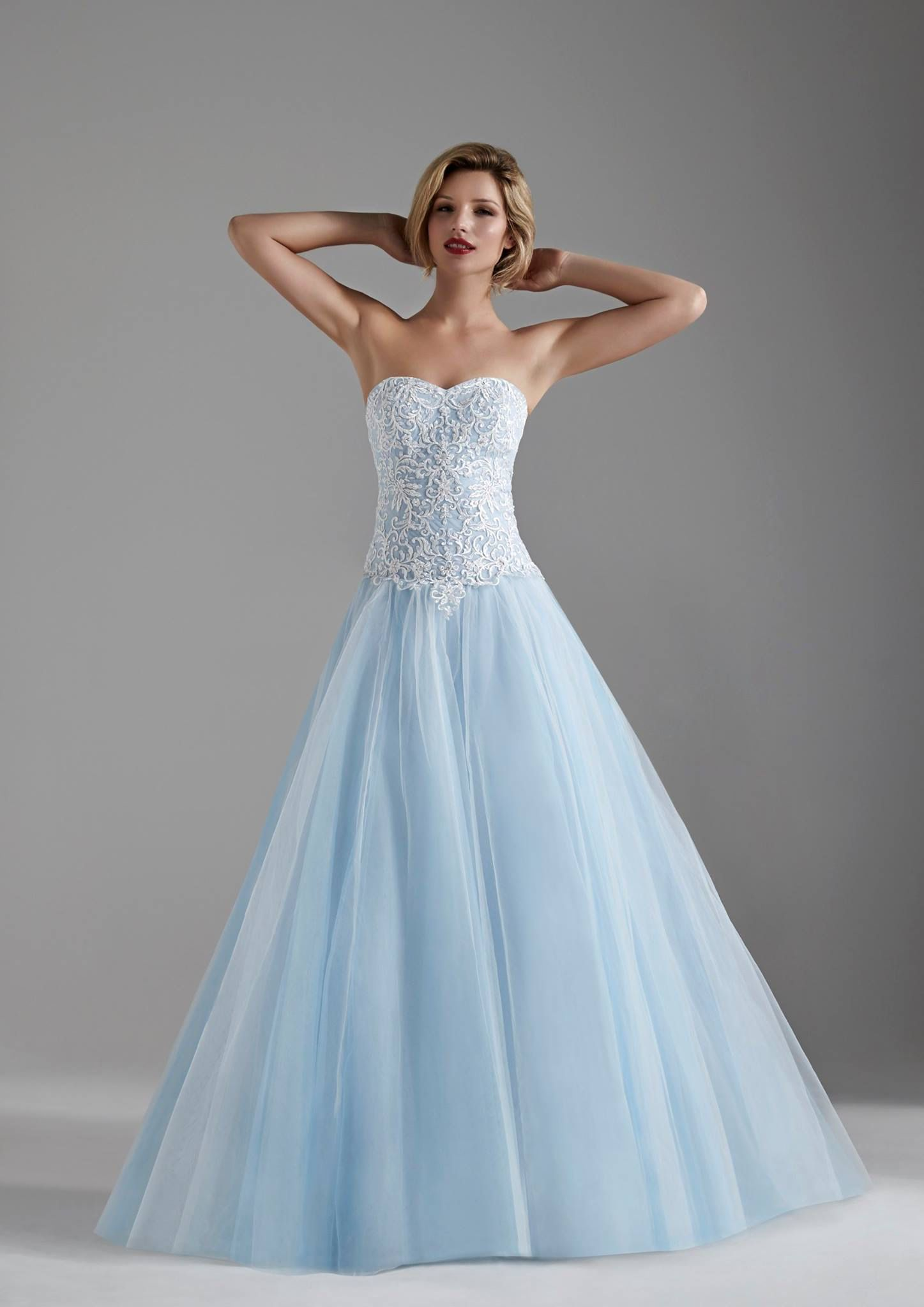 Happy friday everyone fancy a touch of cinderella magic on your