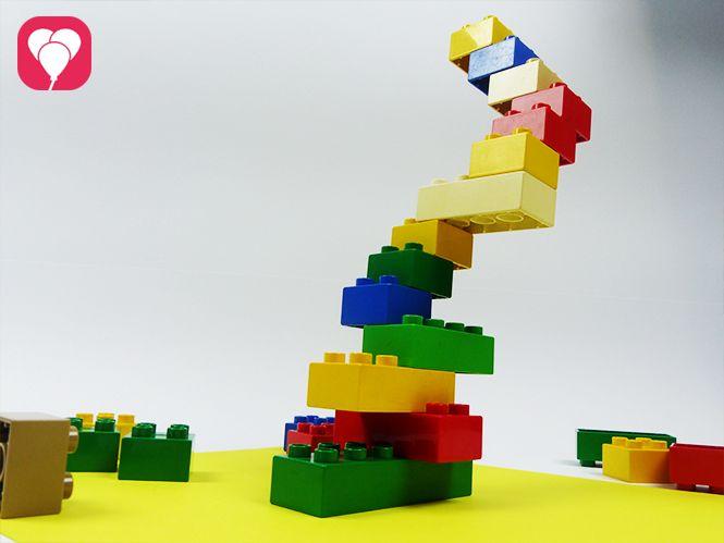 drei lustige lego spiele f r drinnen legosteine lustige spiele und kindergeburtstag motto. Black Bedroom Furniture Sets. Home Design Ideas