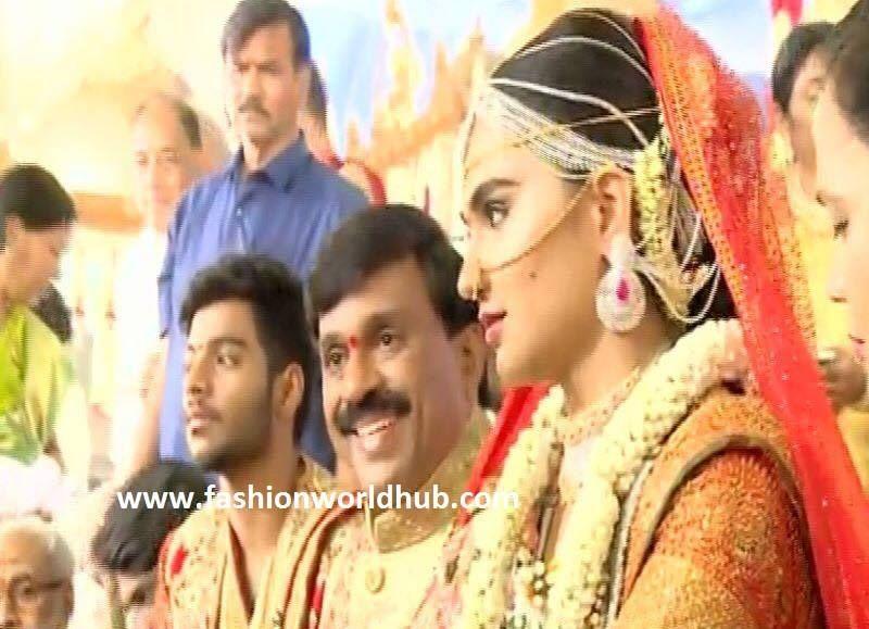 Gali Janardhan Reddy daughter wedding photos