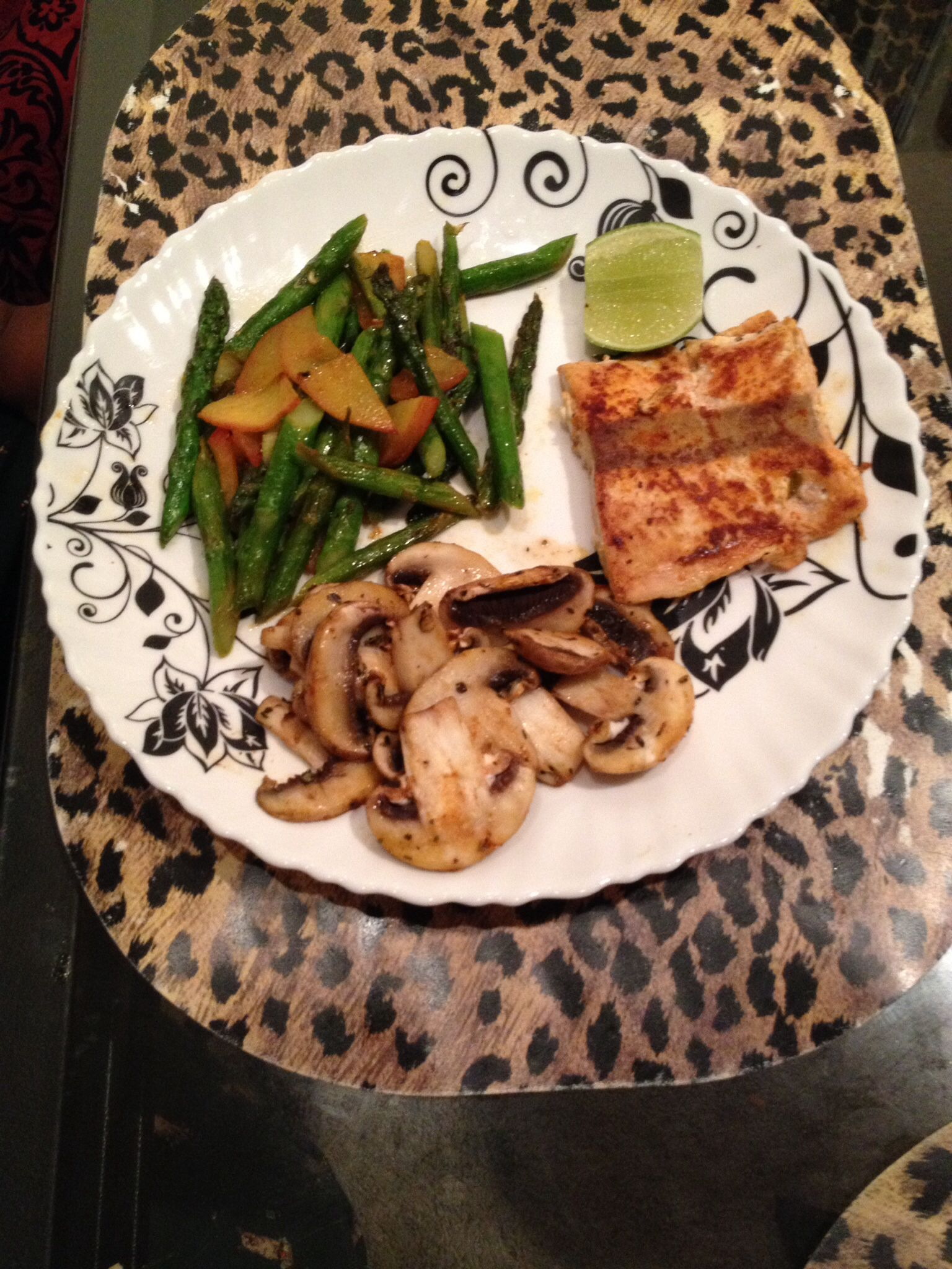 Salmon, green beans with apricot & mushroom with salmon. Everything pan fried separately with very little oil.