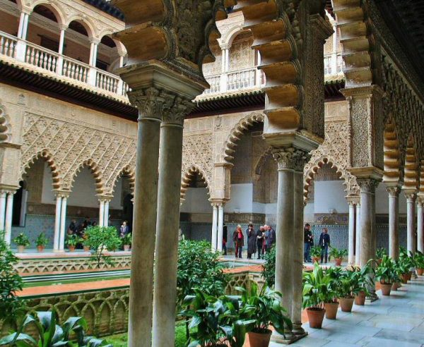 Patio De Las Doncellas En El Real Alcázar De Sevilla Alcazar De Sevilla Sevilla Catedral De Sevilla