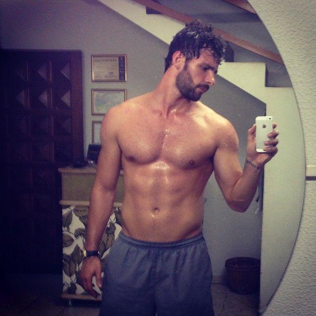 Victor Santos__ #Que Deus alcance nossos sonhos e os tornem realidade. Boa noite.