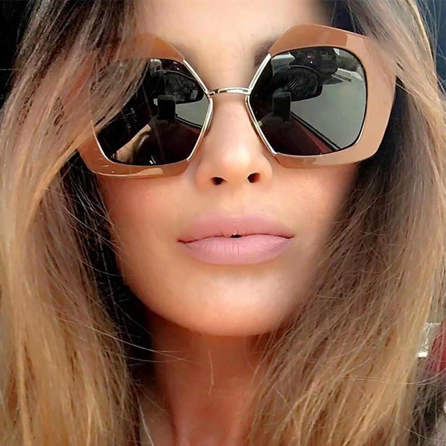 2019 Luxury Vintage Sunglass Woman Retro Gold Big Cat Eye Half Oversize Crystal