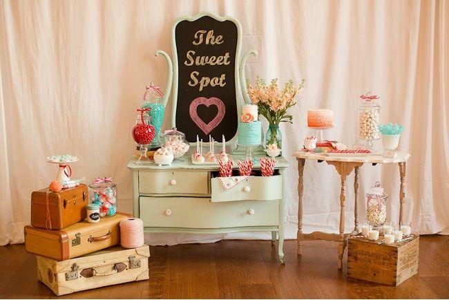Chá de panela: mesas de doces lindas e criativas no Casar.com, onde você encontra Inspirações e Dicas para seu Casamento feito por quem mais entende do assunto