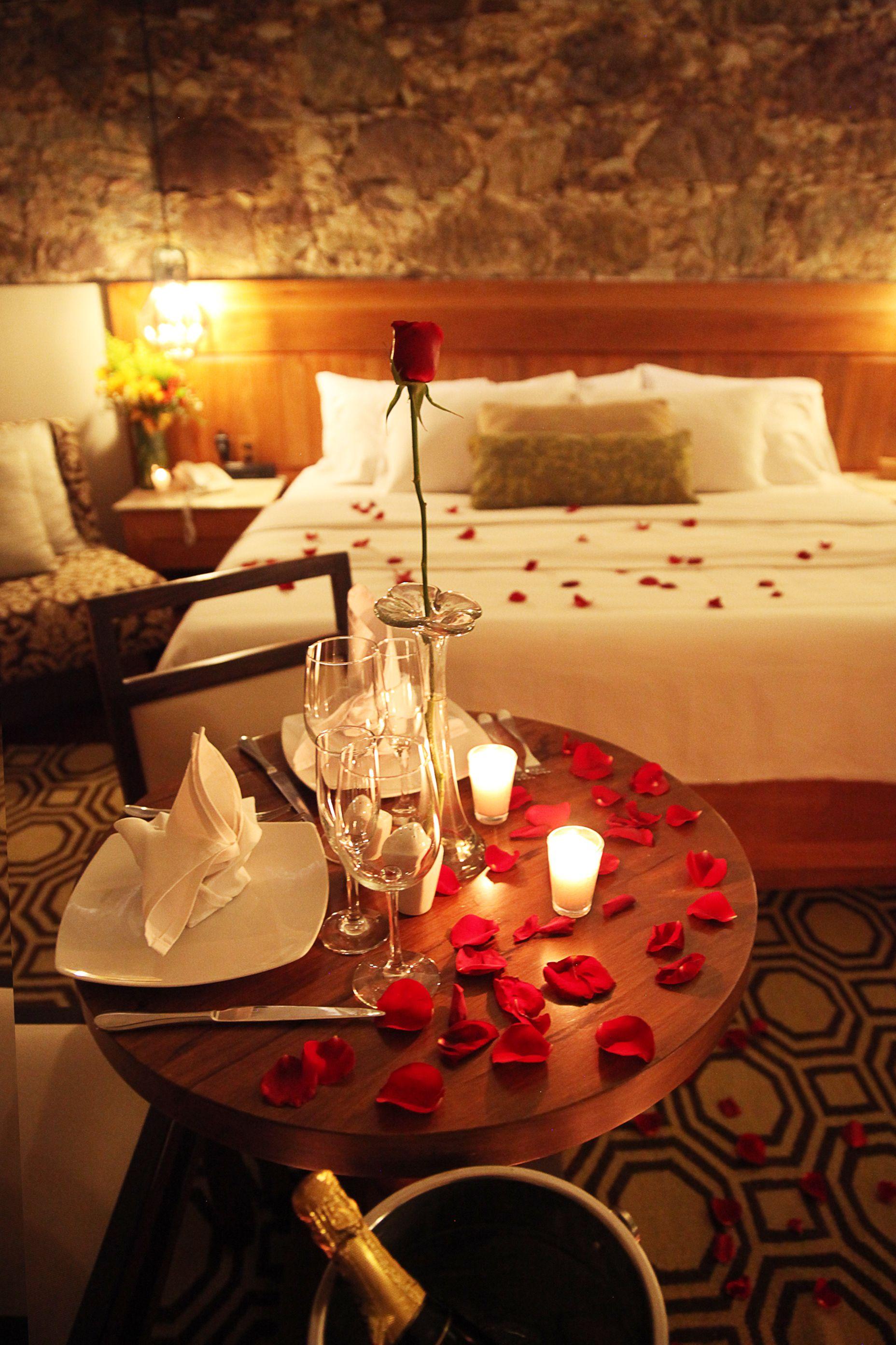 Romantic Room Setting: Awww. Miss Sweetie. Nice Man.
