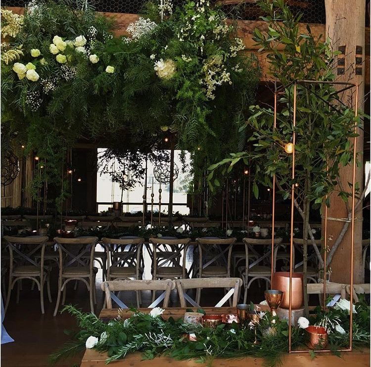 Pin di Nicola su Wedding tables/ flower vibes | Pinterest