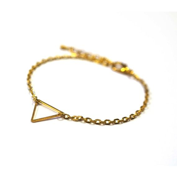 Bracelet minimaliste petit triangle doré