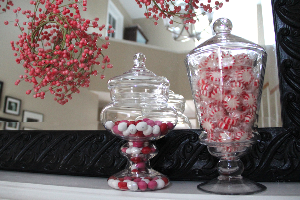 Simple And Creative Mantel Decorations For Valentineu0027s Day 2013