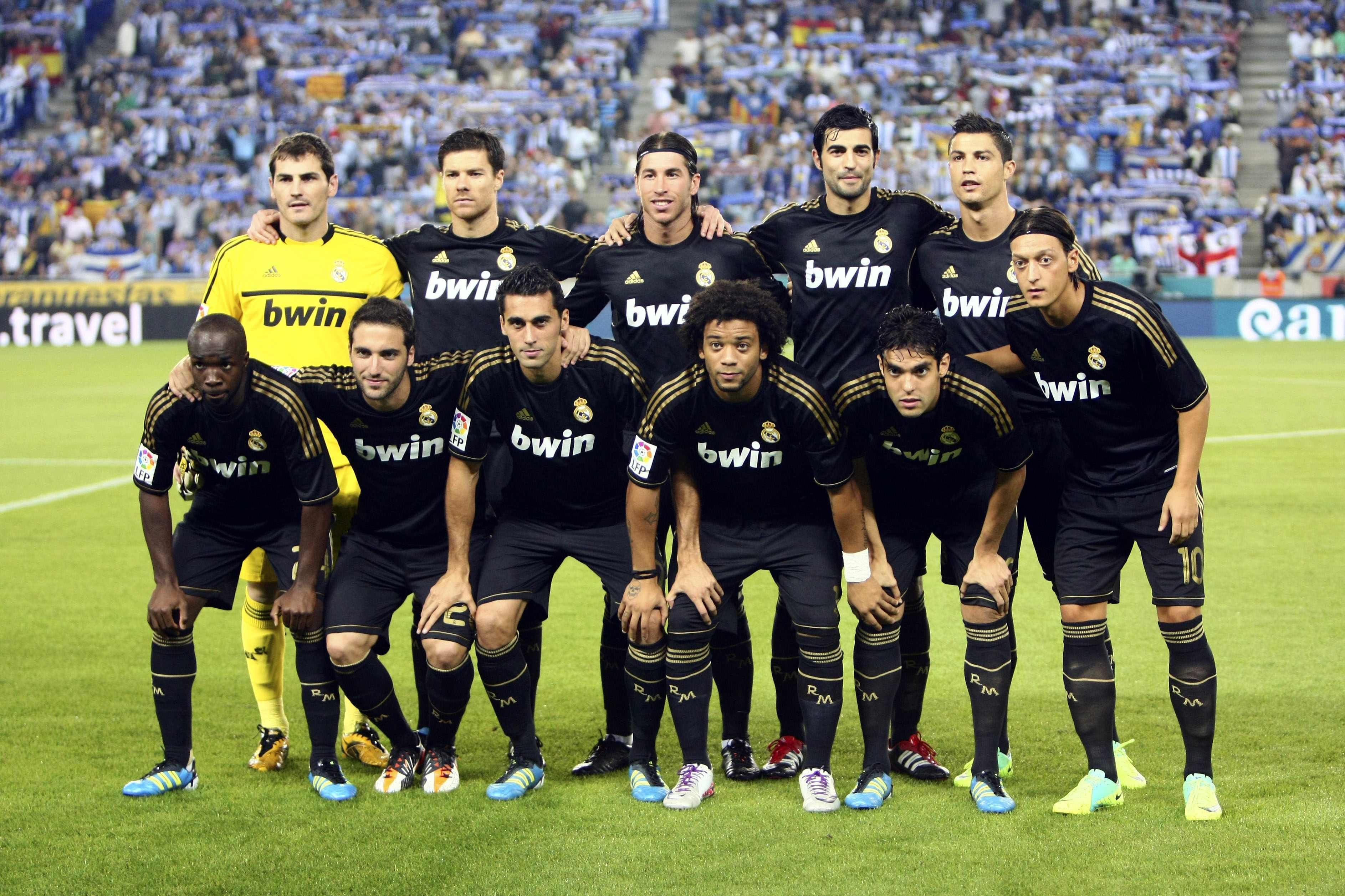 12 13 Season Champions Real Madrid Wallpapers Real Madrid Madrid Football Club