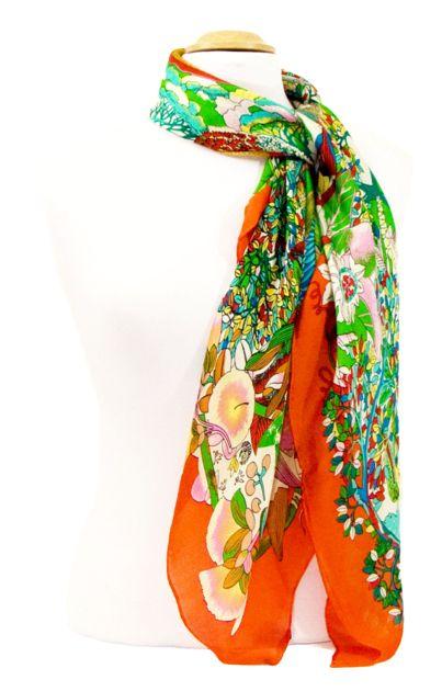 foulard carre de soie orange fleuri 105 x 105 cm   IMAGES DU MONDE ... 699a62ae3ef