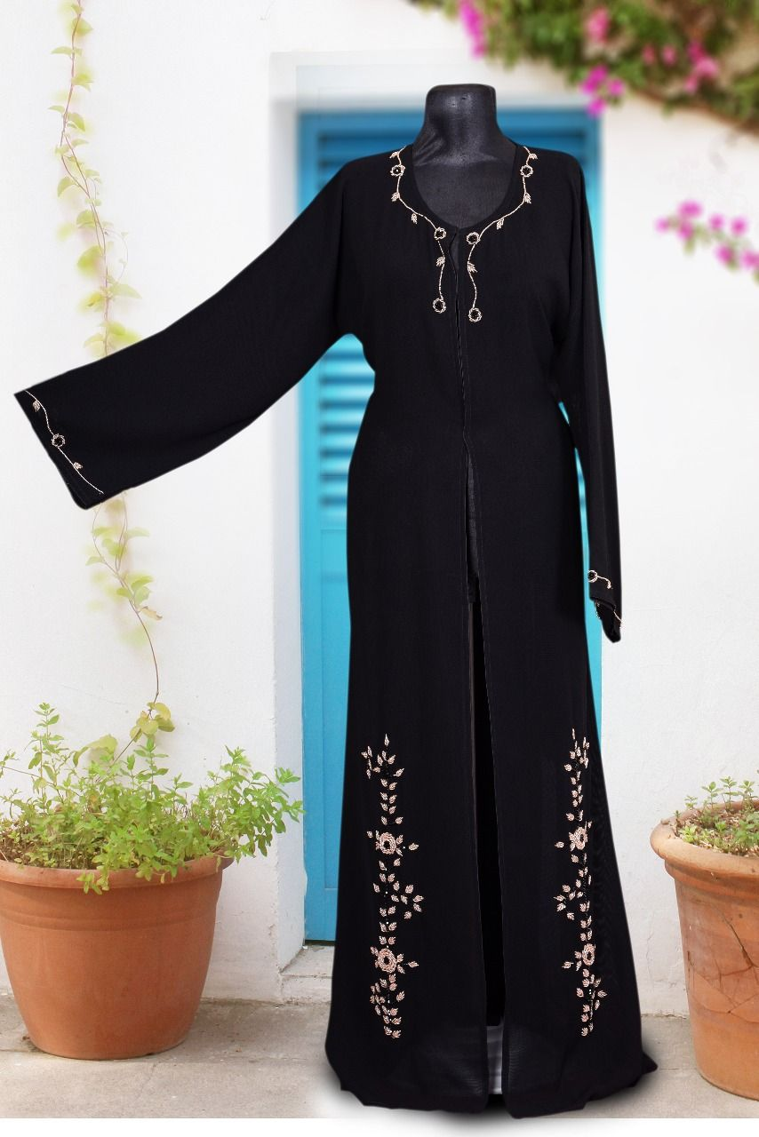 Deal Of The Day Free Shipping Only For Today Order Zammilooni The Bridal Abaya This Is One Of Our First Bridal Abaya Designs Abaya Black Color Combination
