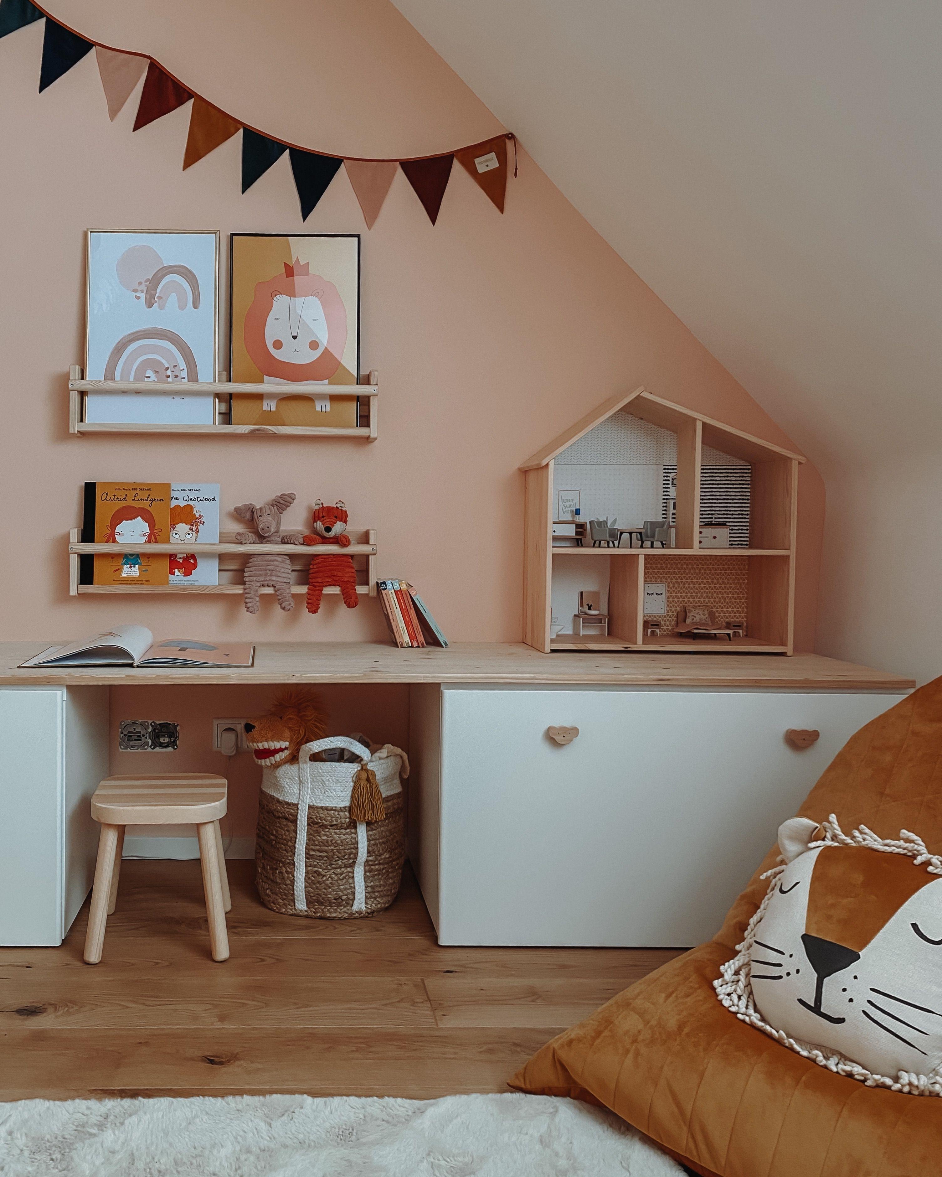 Willkommen in der Villa Kunterbunt. Unser Kinderzimmer zum toben, träumen und kreativ sein.