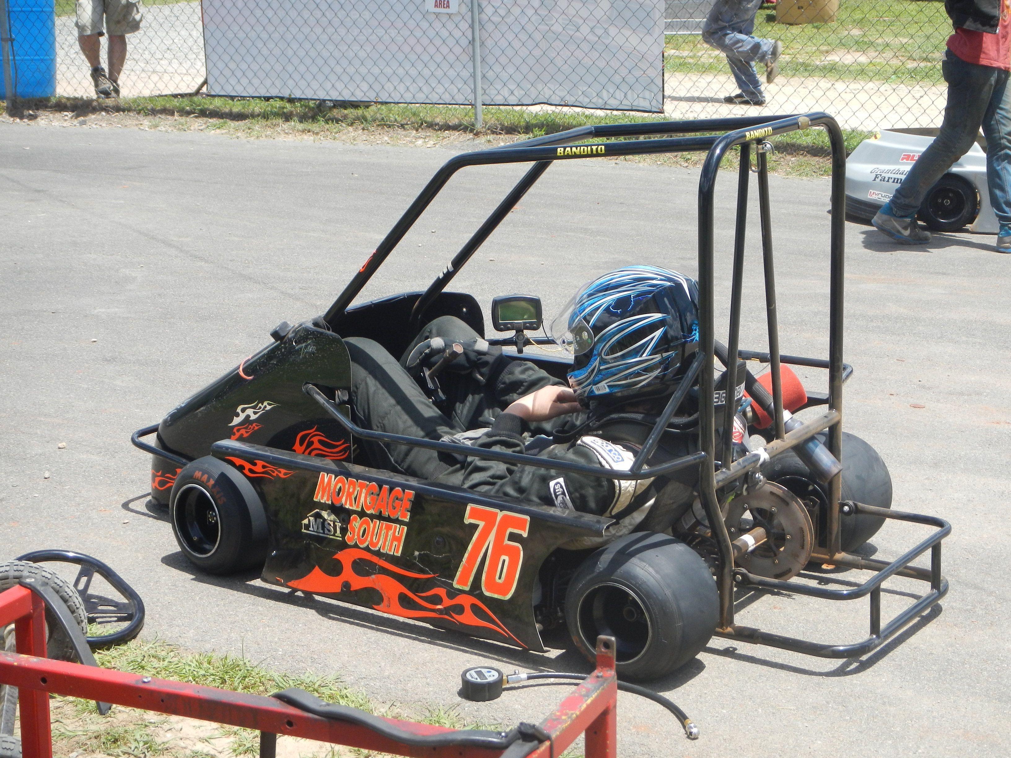 76 dirt track racing kart
