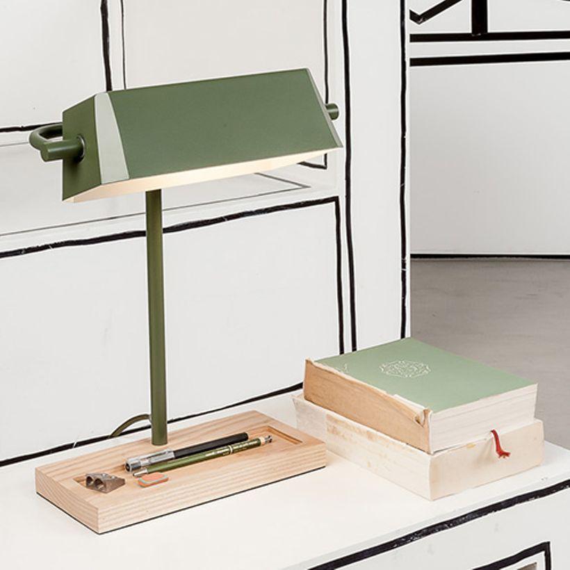 Lampe De Bureau En Acier Et Bois Cambridge It S About Romi Bureau Bois Lampe De Bureau Deco Bureau