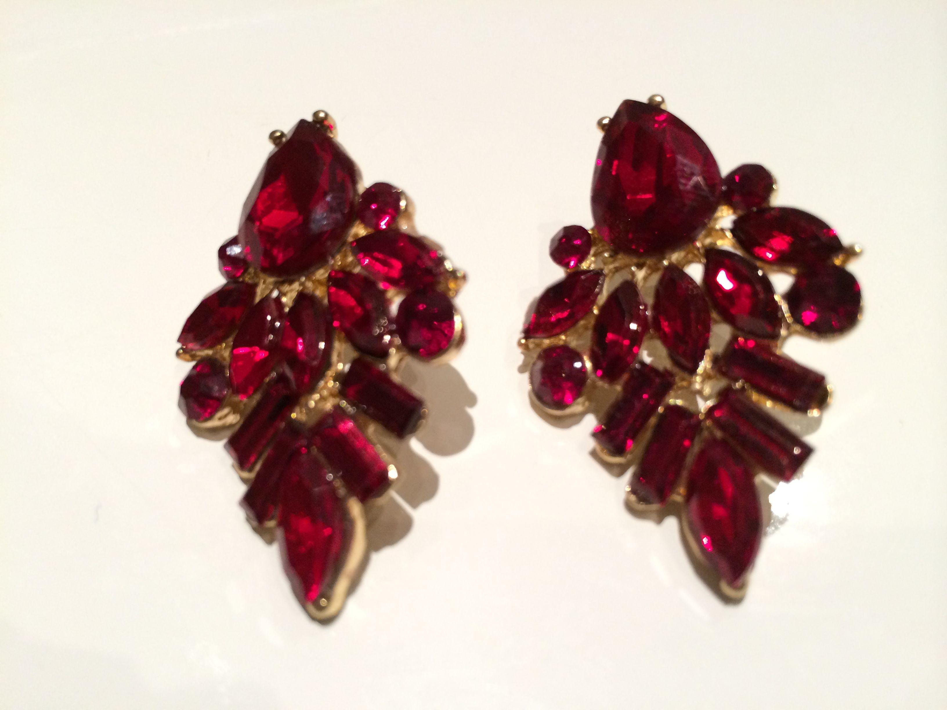 abff3ebab3ff Pendientes de piedras en color rojo. Earrings.
