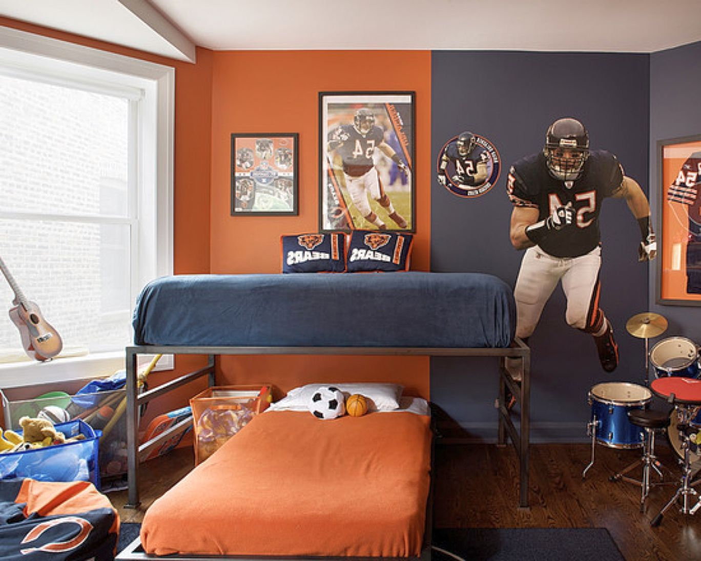 Sporty American Fottbal Themed Room Decor Ideas For