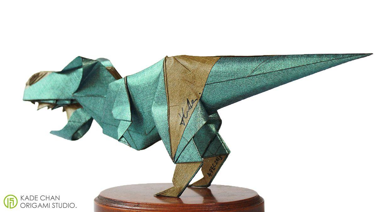 Photo of T-Rex, entworfen und gefaltet von Kade Chan