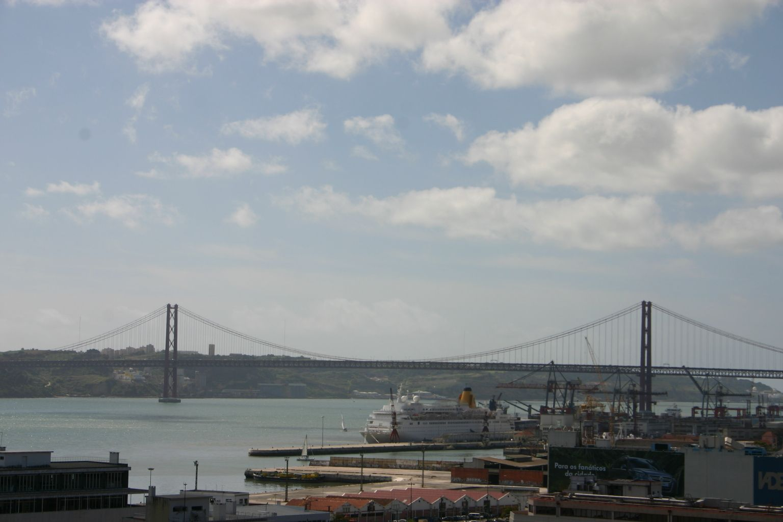 Ponte de 25 Abril, Lisbon, Portugal