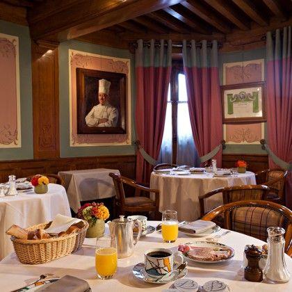 Le Relais Bernard Loiseau - La salle du petit déjeuner est classée