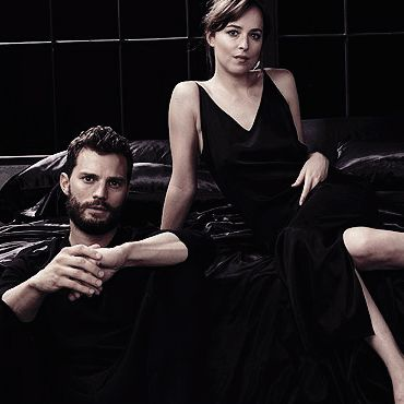 New picture of Dakota Johnson and Jamie Dornan's promoshoot (2017)
