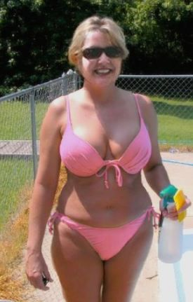 Older women bikini photos
