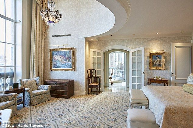 Nyc S Most Expensive Apartment At Pierre Hotel Relisted For Half Price Pierre Hotel Luxury Homes Penthouse For Sale