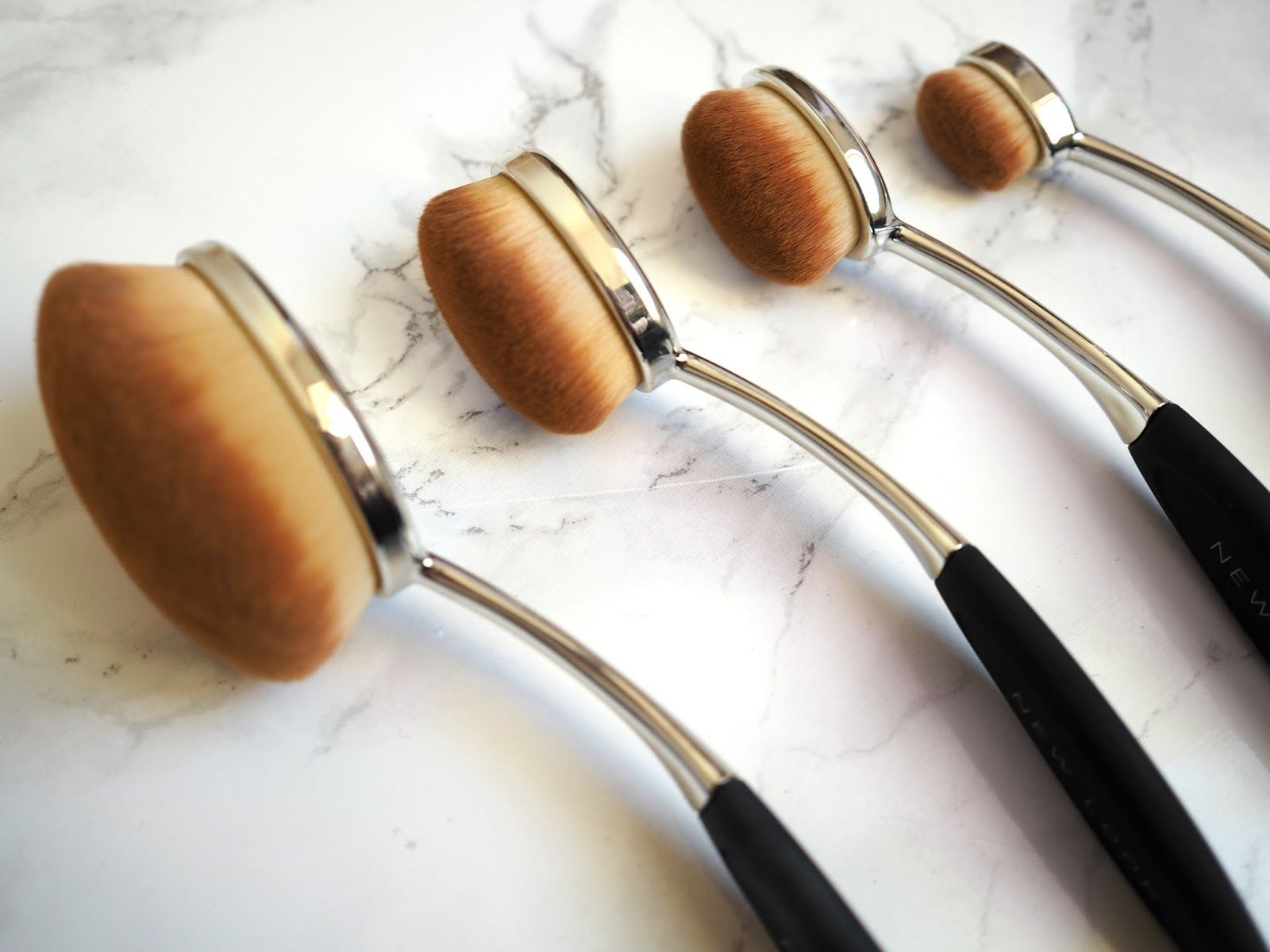 New Look beauty review Oval brush set £19.99 Stick