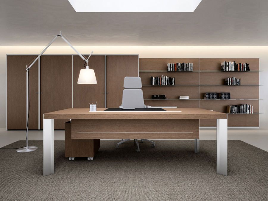 Mobili per ufficio dal design moderno 25 idee di arredo for Arredo ufficio direzionale