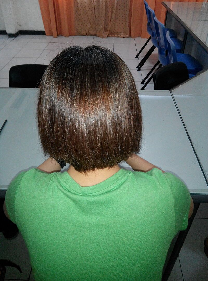 Woman rear view - Human hair color - Wikipedia, the free ...