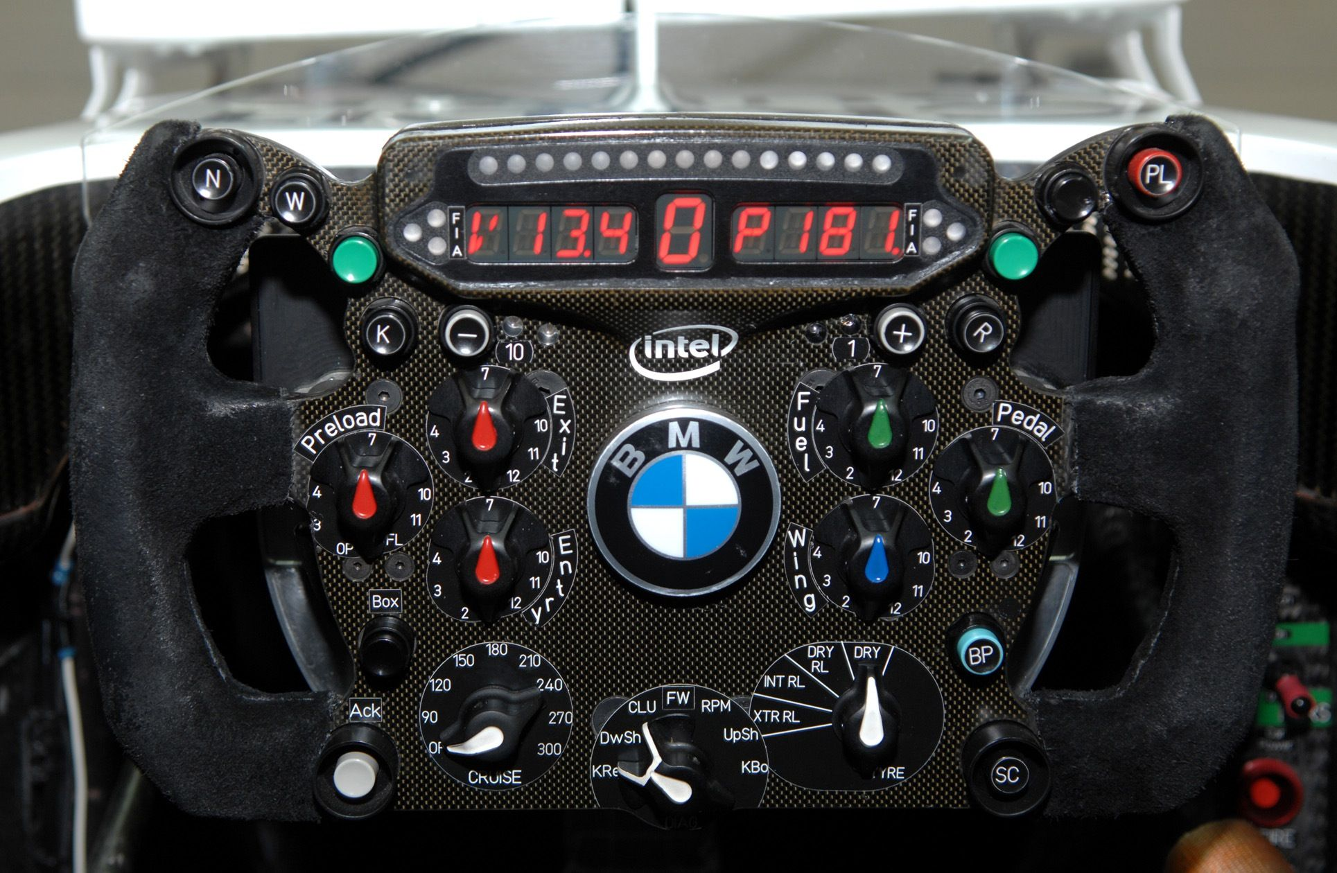 BMW steering wheel with KERS button (F1)   Cars   Formula 1