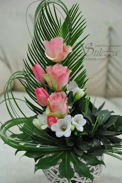 Pin de laura rodriguez aller en arreglos florales - Ramos de flores modernos ...