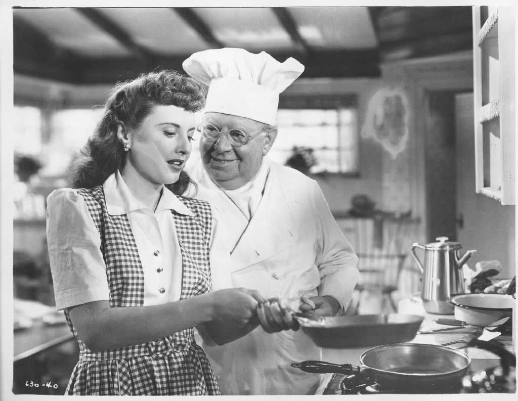 """Barbara Stanwyck and S.Z. Sakall """"Christmas in Connecticut"""" 1945 ..."""