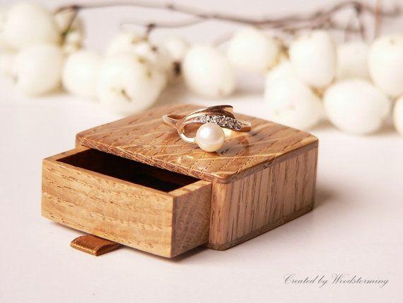Jewellery box Engagement ring box Slim Oak wood presentation ring box Ring box Natural oak proposal box Ring Holder Wooden ring box