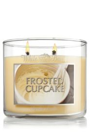 Frosted Cupcake 14.5 oz. 3-Wick Candle - Slatkin & Co. - Bath & Body Works #FindWhatYouLove