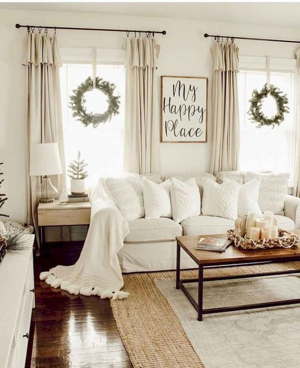 07 Best Modern Farmhouse Living Room Rug Decor Ideas in
