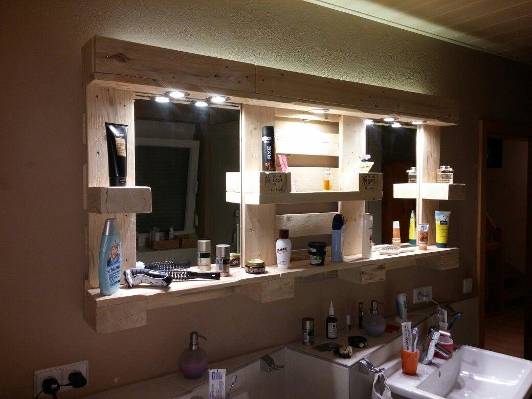 Badspiegel Aus Paletten Mit Led Spots Und Led Lichtleiste Bathroom Mirror Framed Bathroom Mirror Bathroom Medicine Cabinet