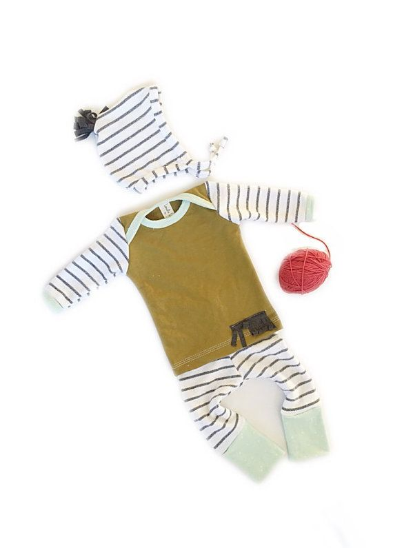 Baby boy Christmas Holiday outfit! Christmas outfits, holiday coming home outfit Nb-12 months (LondinLux)