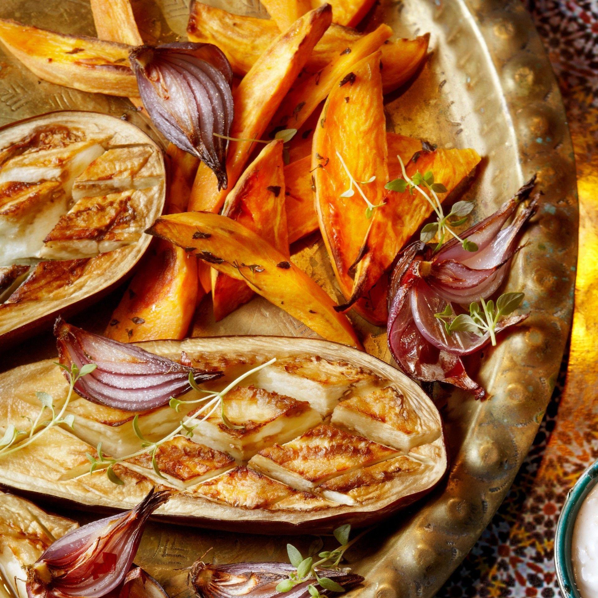 Geröstete aubergine mit köfte     #kartoffeleckenrezept Geröstete aubergine mit köfte      #tagrezepte #rezept #rezepte #essen #kochen #kuchen #recipeguide #recipe #food #foodlovers #foodrecipes #instafood #hungry #foodpic #foodporn #instarecipes #kartoffeleckenrezept