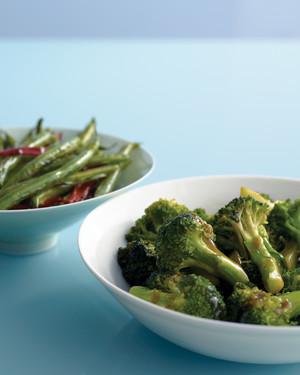 Broccoli With Oyster Sauce Recipe Recipe Vegetable Recipes Oyster Sauce Broccoli Dishes