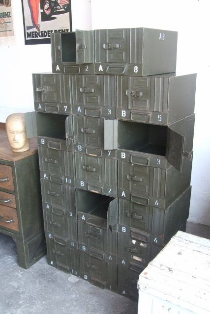 Ok this is awesome and a ridiculously low price and you need to buy it...ALTE LOFT INDUSTRIE DESIGN METALL STAPELKISTE BOX  SCHUBLADE SCHUBLADENSCHRANK