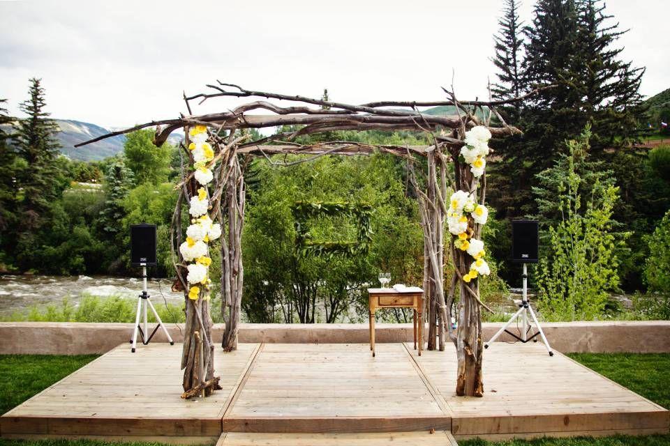 WEDDING AISLE & RECEPTION DECOR