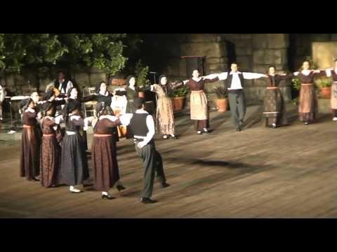 """Ράικο, Τικφέσκο, Ζάικο, Τρίτα πάτα  Από την μουσικοχορευτική παράσταση του Πολιτιστικού Συλλόγου Γέροντα Καβάλας με τίτλο """"Της Γης και του Νερού Ταξίδι της Ζωής..."""" μου στο Δημοτικό Αμφιθέατρο ..."""