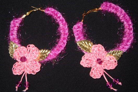 Crochet earrings by Handmademyth on Etsy, €12.30
