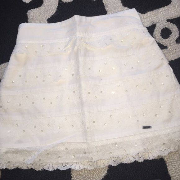 Hollister skirt In great condition Hollister Skirts