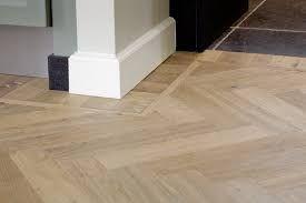 Afbeeldingsresultaat voor visgraat vloer modern woonkamer