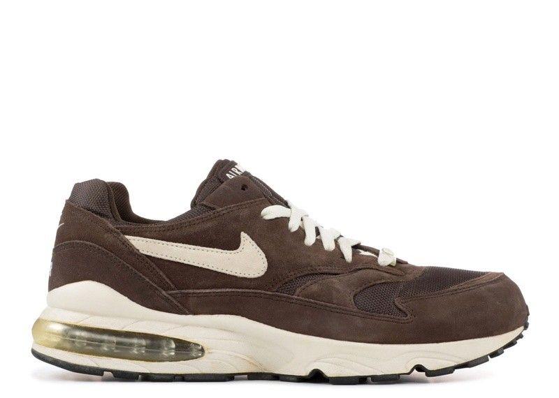 sports shoes 174f3 6a0bb Moins Cher Nike Air Max 95 Black Gold Se Noir Or 924478-003