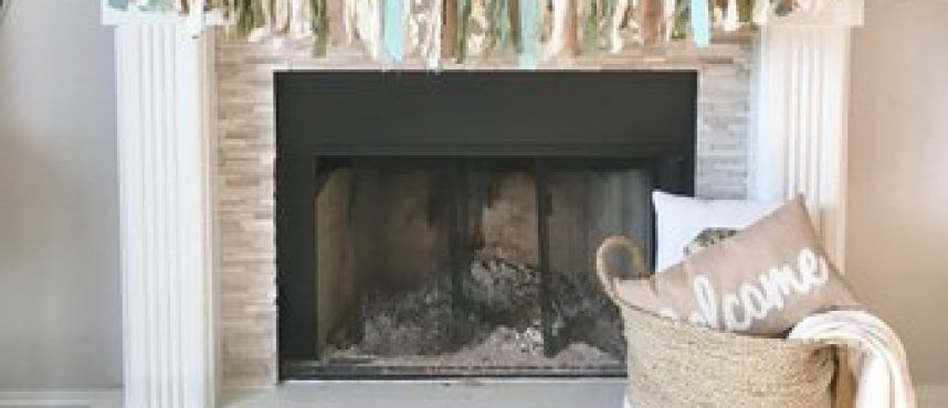 20+ Inspiring Fireplace Mantel Decor Ideas For Wintertime 13