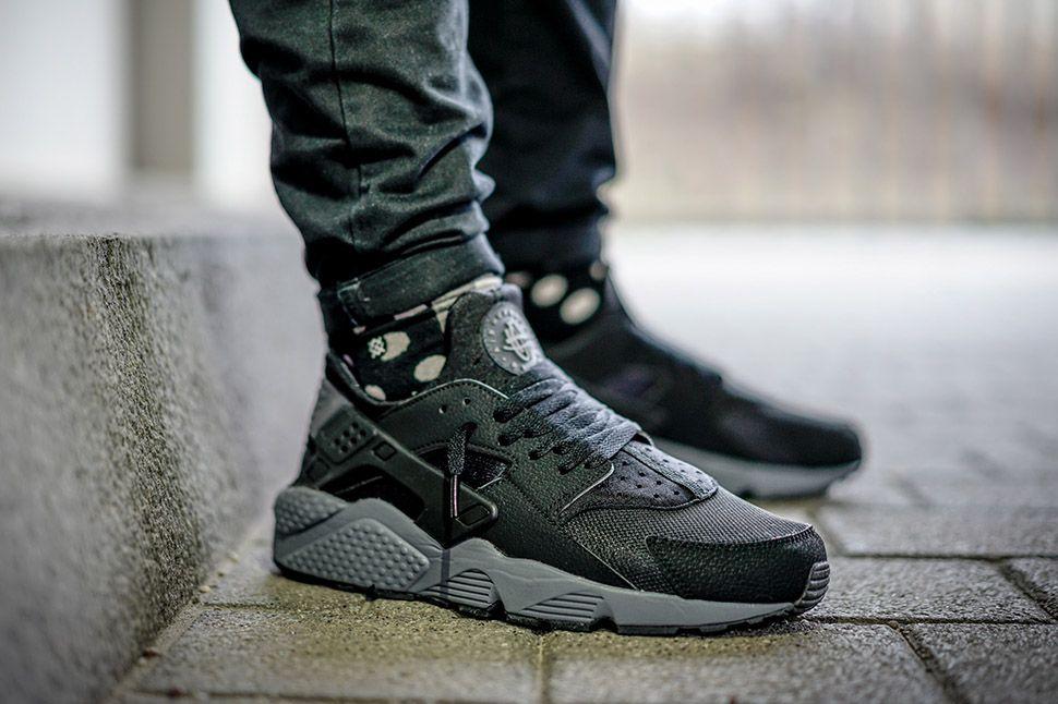 35a9bbe2009c Nike Reissues the Black Dark Grey Air Huarache - EU Kicks  Sneaker Magazine