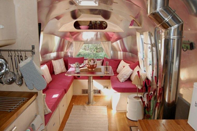 int rieur de caravane comment l 39 am nager camping bivouac camping cars mobil hommes. Black Bedroom Furniture Sets. Home Design Ideas